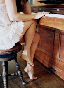 mia playing piano